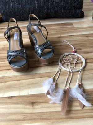 Schicke blau-braune Sandaletten