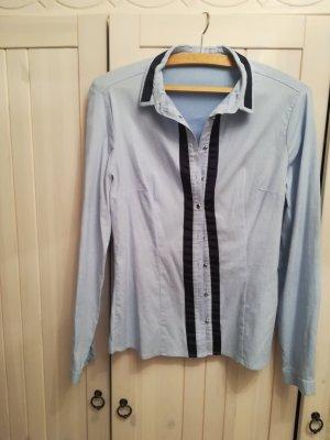 Schicke Bluse himmelblau von Orsay