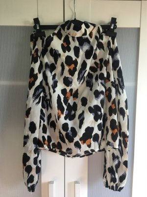 Schicke Bluse mit ausgeschnittenen Schultern