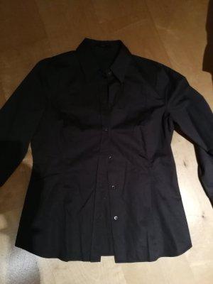 Schicke Bluse von Boss Black Größe 40 ich trage 38 passt genau.