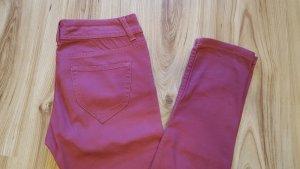 schicke bordeauxrote Jeans