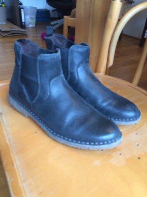 Schicke Chelsea Boots in schwarz