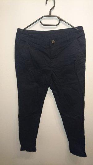 Schicke dunkelblaue Hose von Yessica Größe 36 (fällt größer aus)