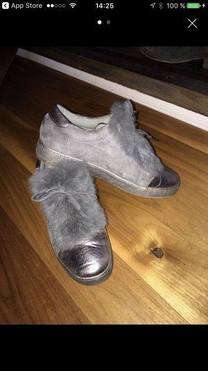 Schicke Fell Schuhe  !!!
