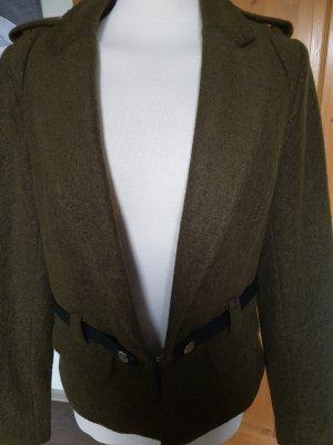 Schicke Filzjacke in khaki mit schönen Details