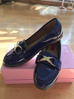 Schicke flache Schuhe