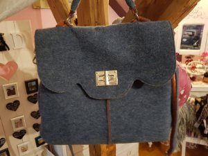 schicke graublaue Tasche