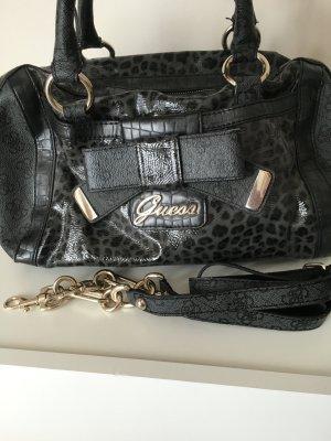 Schicke Guess Handtasche Leo Optik