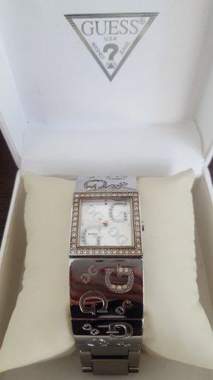 schicke Guess Uhr in silber