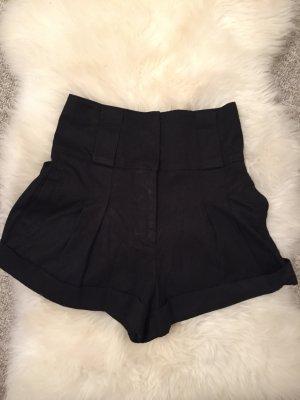 Schicke High Waist Mini-Shorts