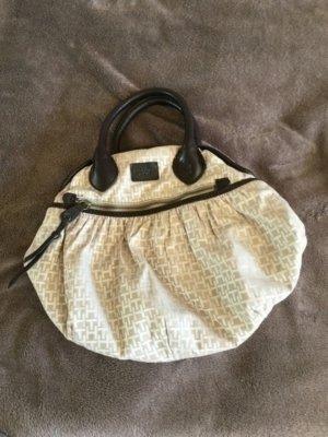 Schicke Hilfiger-Handtasche zum Ausgehen