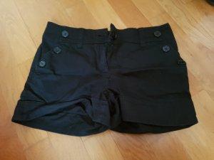schicke hotpans in schwarz