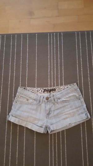 schicke Jeans Shorts von Forever 21