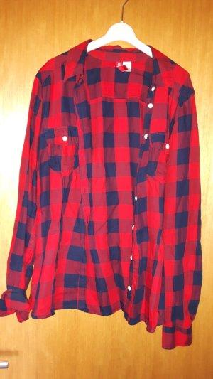 schicke karrierte bluse