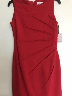 Schicke Kleid Calvin Klein NEU