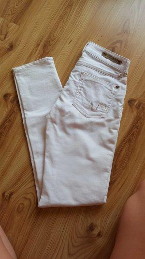 schicke lange weiße Hose