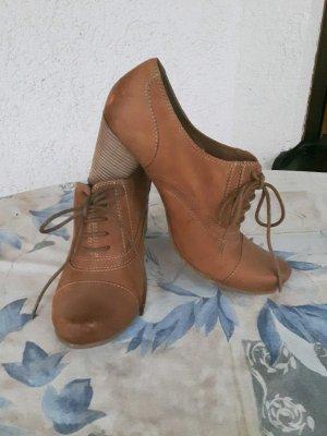 Schicke Leder Ankle Boots von Tamaris