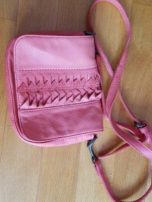 schicke Liebeskind Tasche in lachsfarbend