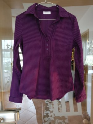 Schicke lila-farbene Bluse