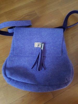 schicke lila Tasche aus Filz