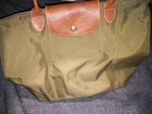 Schicke Longchamp Handtasche mit der Farbe Khaki aus der aktuellen Kollektion