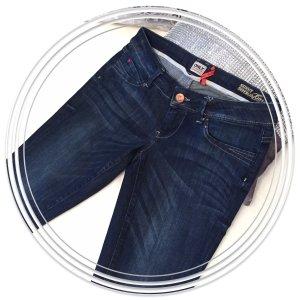 Schicke - neue - ONLY Jeans Gr .28/32