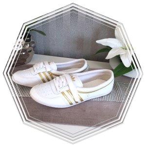 Schicke -neuwertige - Adidas Ballerina Gr .41