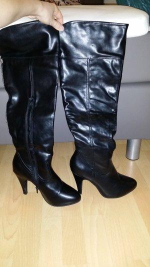 Schicke Overknee Stiefel