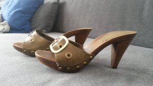 Schicke Pantoletten/Sandaletten von Graceland in 37 oliv/khaki Holzoptik