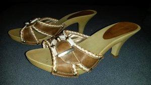 Schicke Pantoletten von Graceland in 37 holzoptik