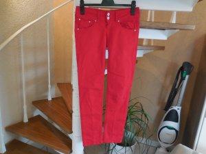 Schicke rote Röhrenhose von Pepe Jeans