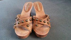 Schicke Sandalen/Pantoletten/Holz in 37 von Buffalo