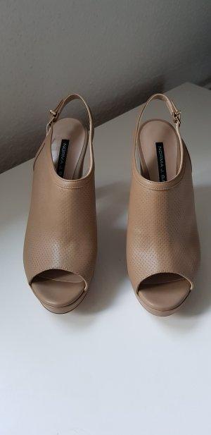 Sandalo alto con plateau beige