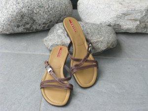 Prada Sandalo con cinturino e tacco alto marrone scuro-marrone Pelle