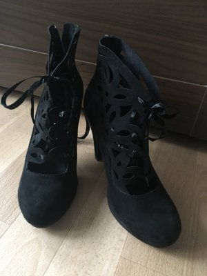 Tamaris Lace-up Pumps black