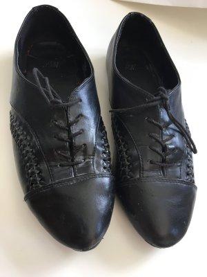 Schicke Schnürschuhe von H&M