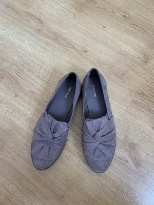 Schicke Schuhe mit Knoten-Detail