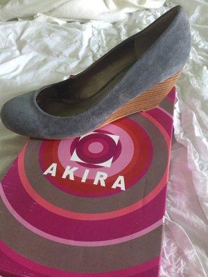Schicke Schuhe mit Plateau Absatz, (Gucci, guess, Louis-style)