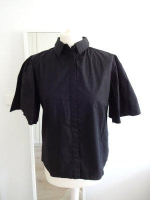schicke schwarze Hemdbluse flatterärmel