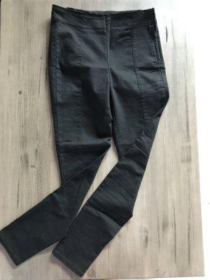 Schicke schwarze Hose