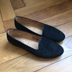 schicke schwarze Loafer
