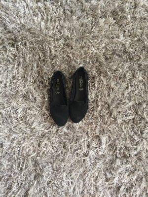 Schicke schwarze Loafers