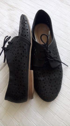 schicke schwarze Schuhe Gr 42
