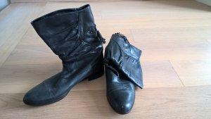 Schicke schwarze Stiefel aus Echtleder