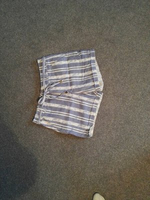 schicke Shorts 38 gestreift