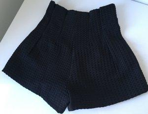 Schicke Shorts von FASHION UNION in schwarz