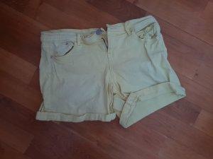 schicke shorts von promod