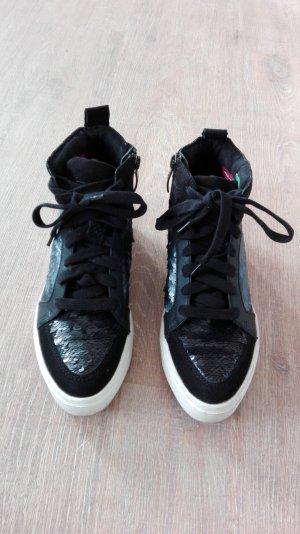 Schicke Sneaker von Tamaris