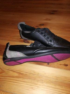 Schicke Sneakers von Lacoste