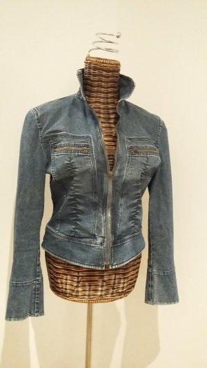 Schicke sportliche Jeansjacke